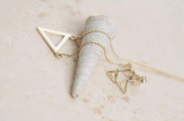 Striebro a zlato a minimalizmus v šperkoch