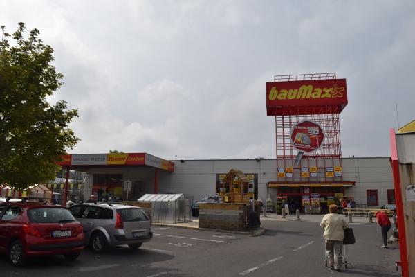 Baumax zatvárajú