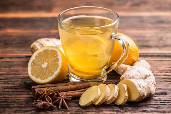 Zelený čaj a zázvor